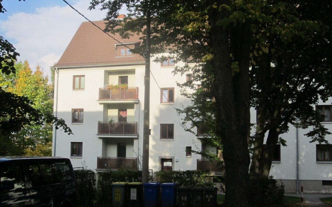 Große 3-Raum-Wohnung, Balkon und zusätzliches Arbeitszimmer