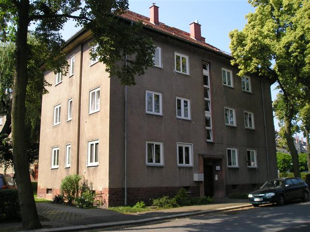 Helle 3-Raum-Wohnung auf Wunsch mit Einbauküche