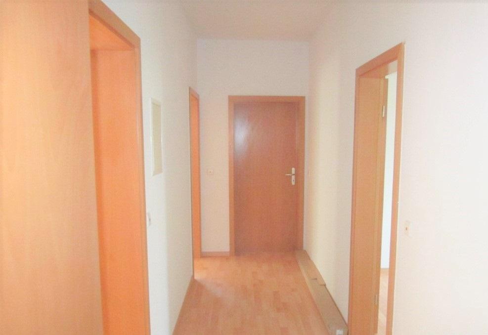 Achtung, 5-Raum Wohnung am Stadtrand