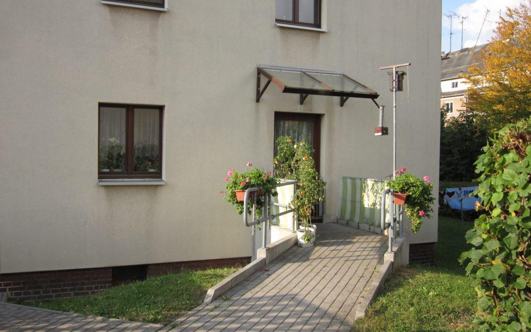 Rollstuhlgerechte 3-Raum-Wohnung, Rampe, Stellplatz